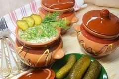 Вкусные рецепты: Горячие бутики, Салат с языком, фаршированное авокадо